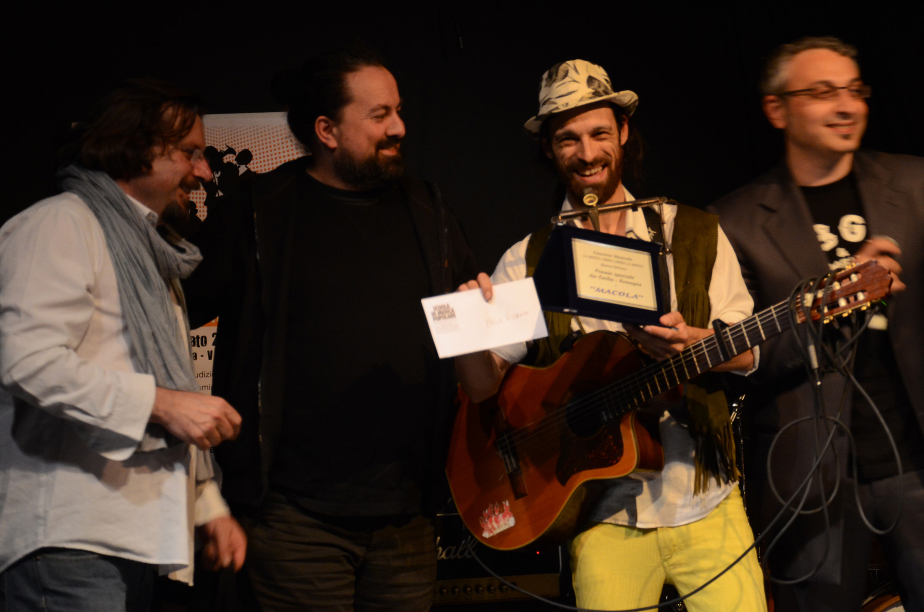 Macola premiato da marco bartolini aldo foschini e gianni for Bartolini etnica