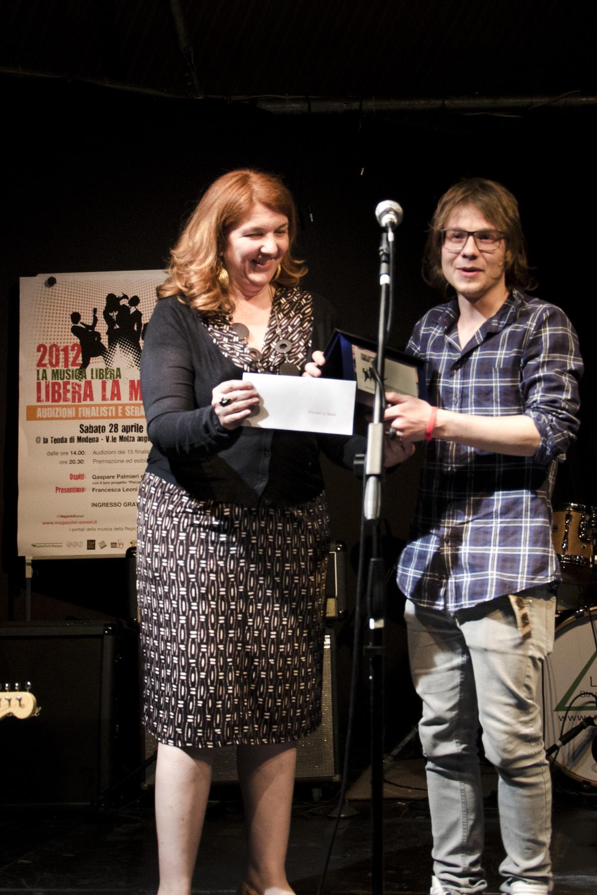 Silvia bartolini premia i musicanti di grema esplora for Bartolini etnica